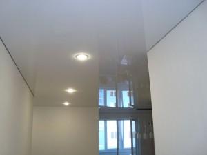 Фотографии готовых глянцевых натяжных потолков от компании Арт-Стандарт